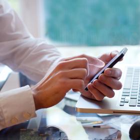 Bon ton tecnologico: l'uso dei dispositivi elettronici in ufficio