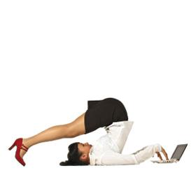 Attività fisica in ufficio: ecco 4 esercizi per la tua forma