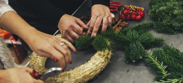 Decorazioni e addobbi di Natale per l'ufficio