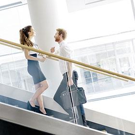 Conoscere ed applicare il galateo del flirt in ufficio