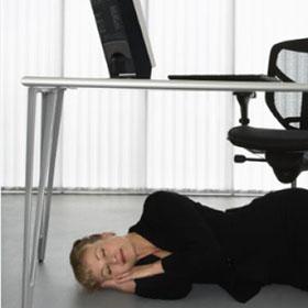 Fare un sonnellino in ufficio senza farsi beccare