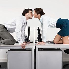 Amore in ufficio, le regole da rispettare