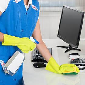 Come scegliere l'impresa di pulizie per l'ufficio