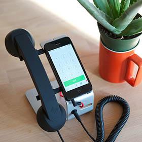Con POP Desk lo smartphone diventa telefono fisso
