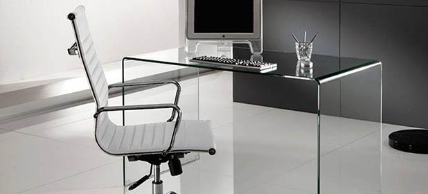 Tavolo Da Riunione In Vetro.Pro E Contro Di Un Tavolo Per La Sala Riunioni In Vetro