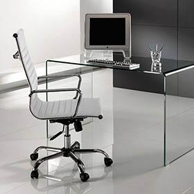 Pro e contro di un tavolo per la sala riunioni in vetro